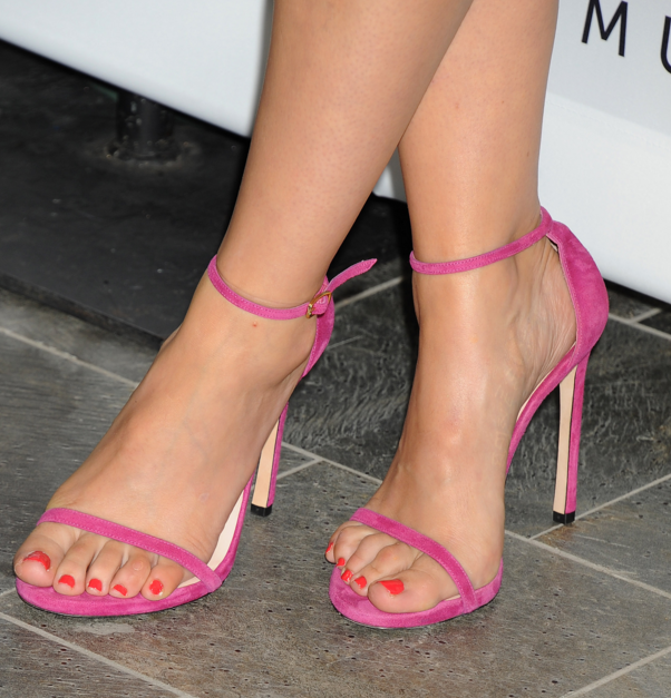 Sophia Bush Feet - Sup... Olivia Wilde Author
